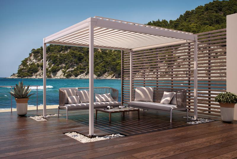 The manually adjustable freestanding pergola